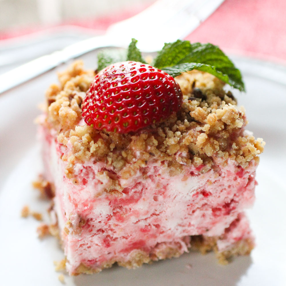 frosty strawberry squares-5